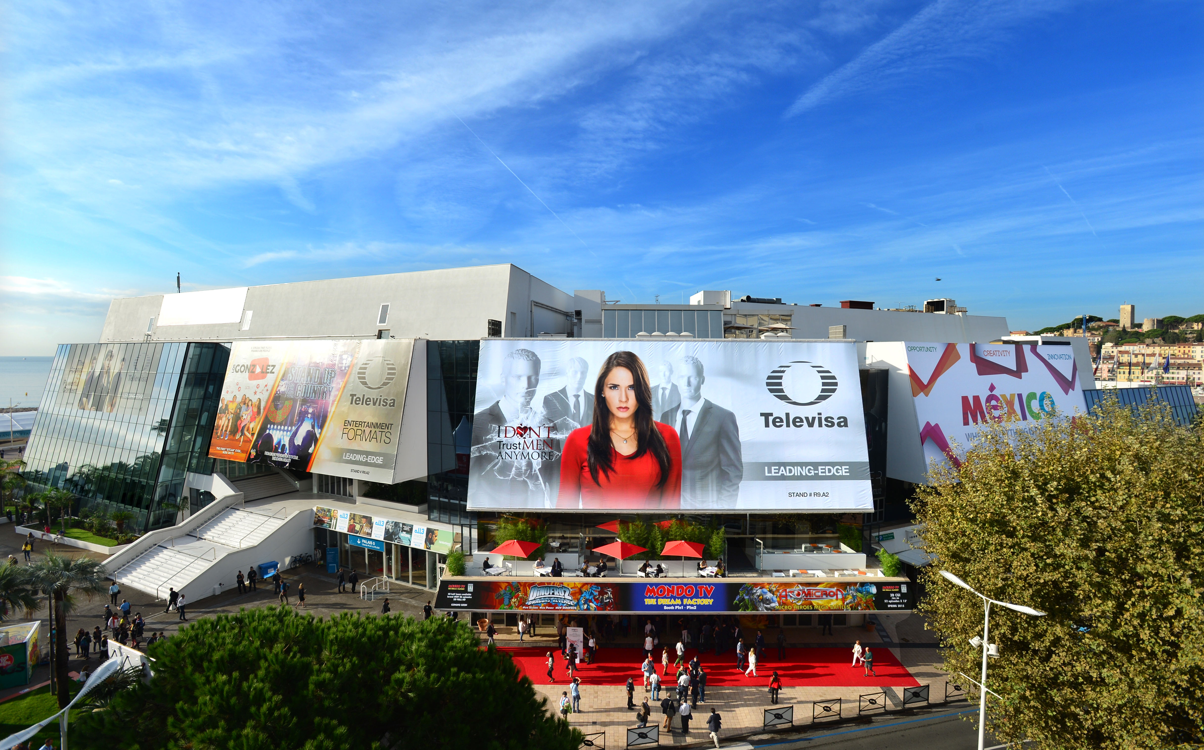 MIPCOM 2014 - ATMOSPHERE - OUTSIDE - PALAIS DES FESTIVALS